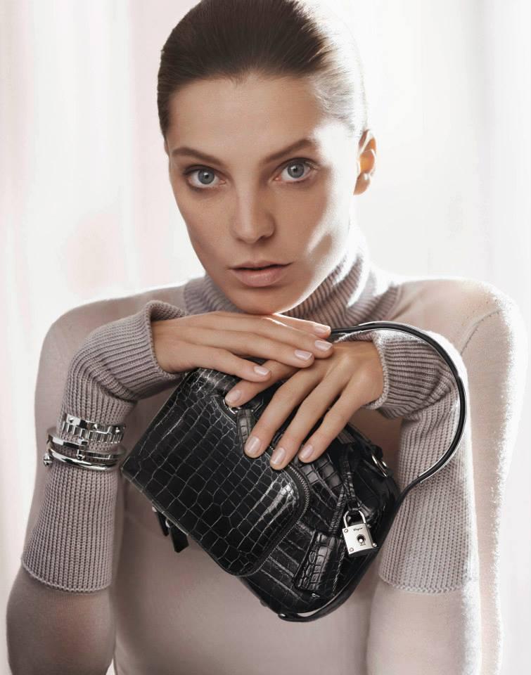 Daria Werbowy Shines On Fashion Canada S October 2013